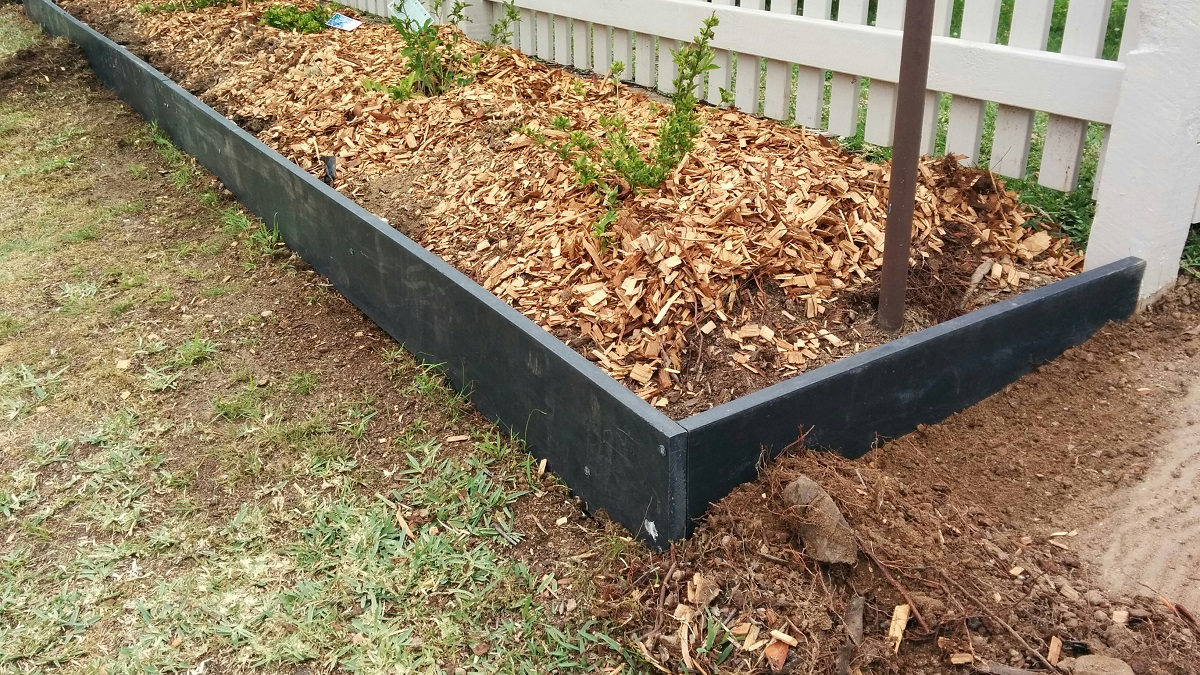 Great Plastic Landscape Edging Products : Moodie Roocycle Ew Mm Edging With Pegs