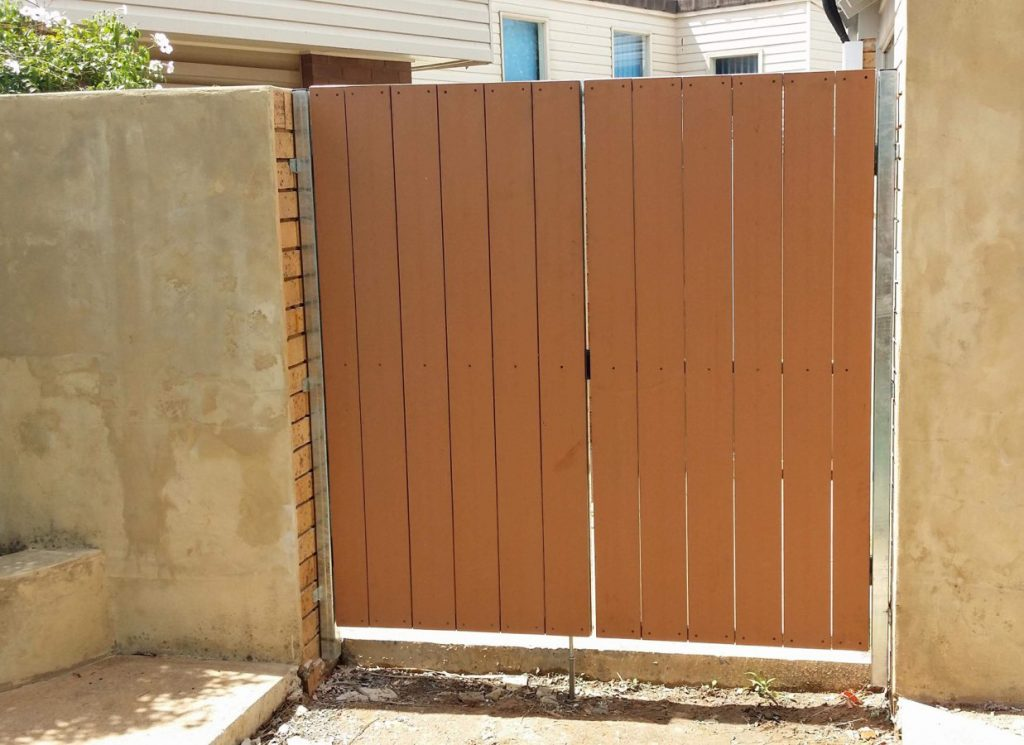 Custom Gates Lalor Park CCC 1